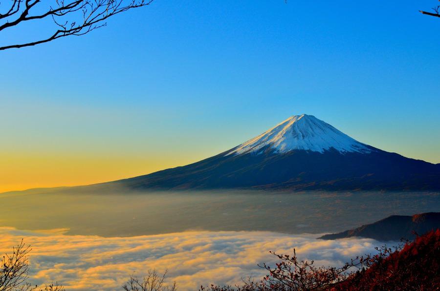 初心者でも安全に富士山を登るには?登山装備はレンタルがお勧め?