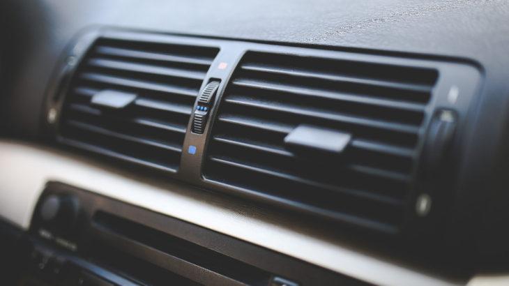 エアコンフィルターって車は交換必要なの?悩んだ時の4つのポイント!